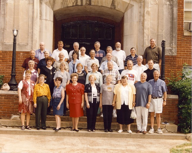 Class Picture - 40th Reunion - 2001
